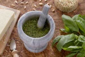 Pesto alla genovese, la ricetta perfetta: ingredienti e dosi