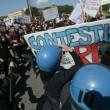 Pisa, corteo vs Renzi: scontri con Polizia7
