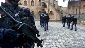 Isis, coppia di Lecco progettava attentati a Roma