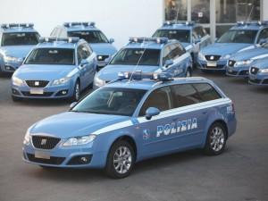 Roma, meccanico auto polizia si finge agente e...