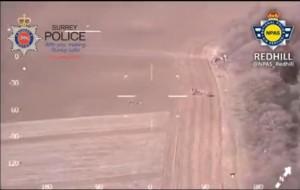Guarda la versione ingrandita di Freccia umana per catturare ladro: così aiutano agenti VIDEO