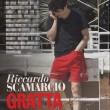 Riccardo Scamarcio, pausa su set e mano nei pantaloni...FOTO 2