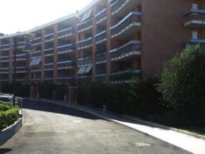 Roma, lite con genitori: bambino si lancia da balcone. Grave