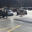 Roma, bus perde olio per 1 km12
