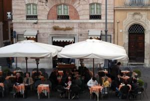 Roma, dramma in pieno centro: esplosione bar Ciampini