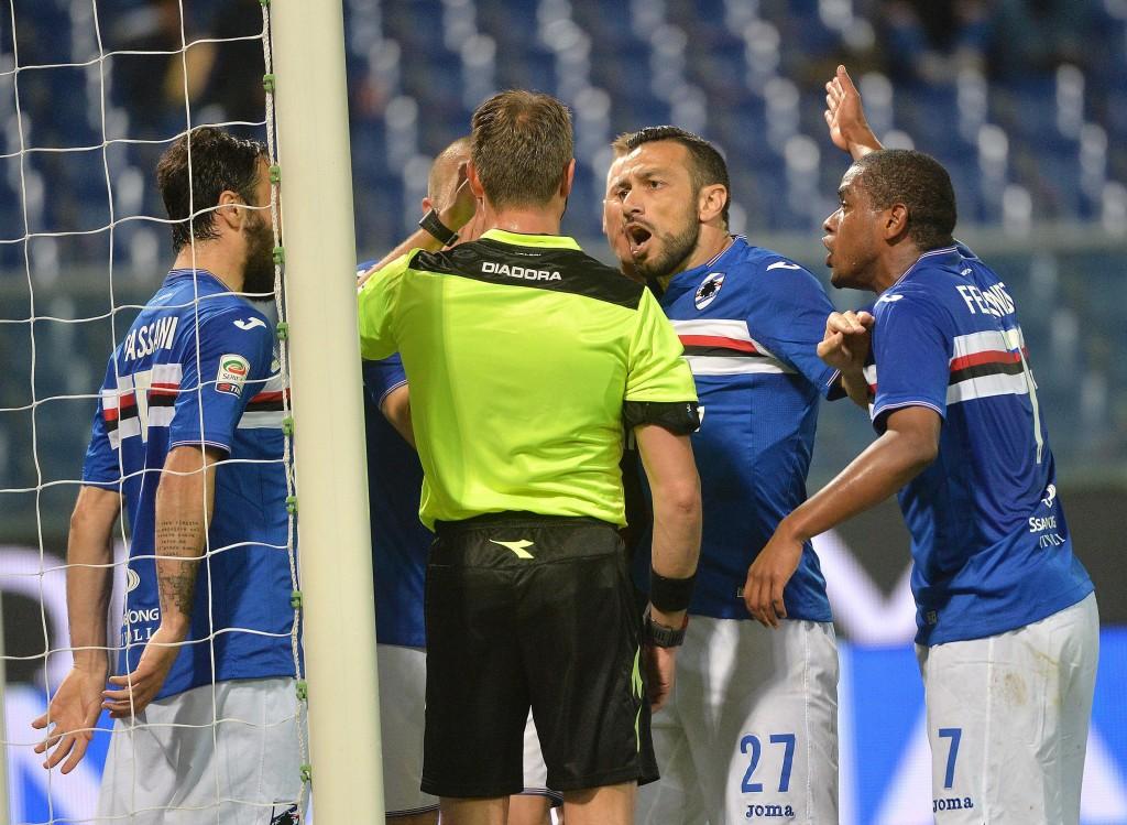 Sampdoria-Milan 0-1, video gol: Bacca. Dodo in fuorigioco?_8