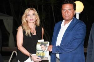 Francesco Schettino - Vittoriana Abate, addio? Lei su Fb...