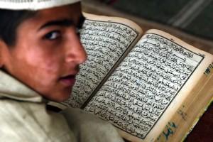 Svizzera, studenti musulmani possono non stringere mano a...