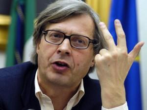"""Vittorio Sgarbi: """"Rosy Bindi esponente della mafia"""""""