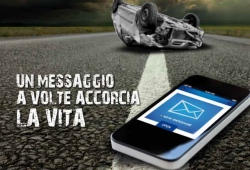 Guarda la versione ingrandita di Morire di smartphone in auto e da pedone: un incidente su 5