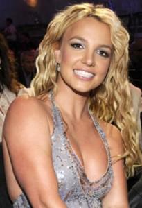 """Britney Spears """"strafatta, passò la notte in un parcheggio"""""""