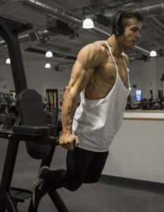 Guarda la versione ingrandita di Quasi morto per infezione: ora è campione body building FOTO