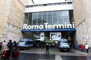Roma: fuga di gas vicino stazione Termini, strade chiuse (foto Ansa)