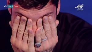 Stefano De Martino durante il pomeridiano di Amici 15 è scoppiato in lacrime