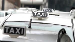 Bologna, altro tassista accoltellato: 3 casi in pochi giorni