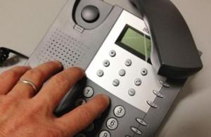 Telecom: rincaro per numeri fissi. Agcom diffida azienda