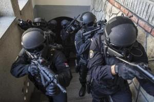 Isis, sei arresti per terrorismo in Lombardia