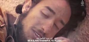 """Isis, nuovo VIDEO: jihadista muore """"in pace con Allah"""""""