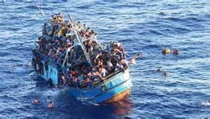 Guarda la versione ingrandita di Il barcone nel Canale di Sicilia