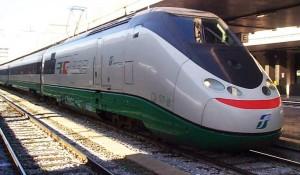 Nigeriano sul treno senza biglietto aggredisce carabinieri