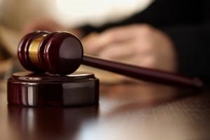 Roma, divorziato prova a darsi fuoco in tribunale