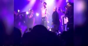 Desiigner vomita mentre rappa sul palco2