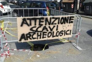 Roma, voragine in viale Romania. Ironia: scavi archeologici
