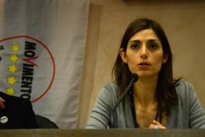 """Virginia Raggi gaffe: confonde """"Arfio"""" e Alfio Marchini"""