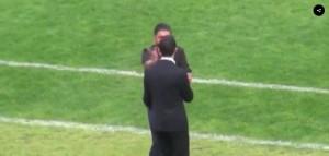 Guarda la versione ingrandita di YouTube, Gattuso: manata al suo assistente durante Pisa-Spal