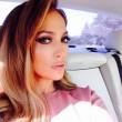 Jennifer Lopez, foto in bikini su Instagram. E i fan... 07