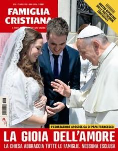 """Famiglia Cristiana, copertina contestata: """"Papa benedice..."""""""