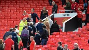 Manchester, allarme bomba all'Old Trafford: evacuati spalti