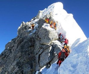 Guarda la versione ingrandita di Everest, crollato Hillary Step. Causa terremoto Nepal?