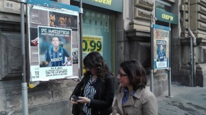 """Napoli, manifesti de Magistris con maglia Inter: """"Bast..."""""""