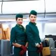 Alitalia, nuove divise il verde lascia il posto al rosso7