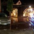 Ambulanza con sirene accese travolta da fiume fango3