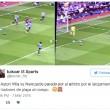 Aston Villa in serie B, tifosi lanciano in campo4