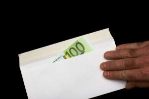 """Sposi rifiutano regalo di 130 euro: """"Vogliamo di più"""""""