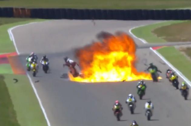 CEV Moto2 spaventoso incidente al via