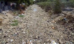 Cambogia, fiume ricoperto di rifiuti: VIDEO drone7