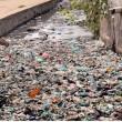 Cambogia, fiume ricoperto di rifiuti: VIDEO drone4