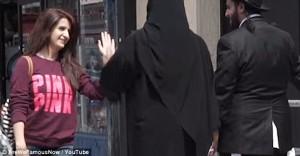Guarda la versione ingrandita di YOUTUBE Ebreo e musulmano insieme a New York, la gente…
