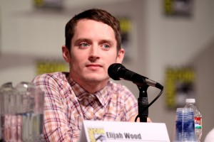 "Elijah Wood accusa: ""Bambini del cinema prede di Hollywood"""