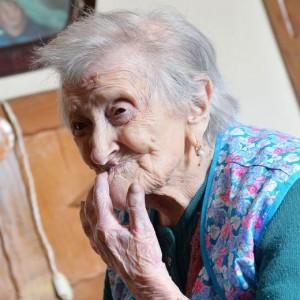 Guarda la versione ingrandita di VIDEO Emma Morano, 116 anni. E' single e mangia uova crude