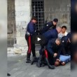 Genova, carabiniere, calcio in testa durante arresto (1)
