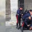 Genova, carabiniere, calcio in testa durante arresto (4)