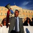 Grecia taglia pensioni, scontri FOTO austerity per aiuti 11