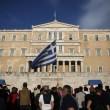 Grecia taglia pensioni, scontri FOTO austerity per aiuti 7