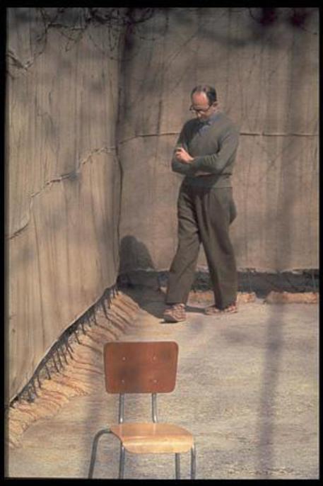 Israele, Adolf Eichmann rara FOTO boia nazista in carcere