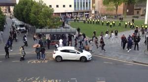 Guarda la versione ingrandita di YOUTUBE Londra, scontri al Carnevale di Luton: sei arresti